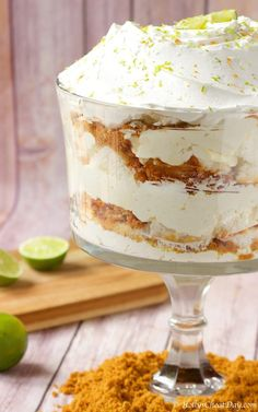 Delicious & easy angel food cake trifle filled with the flavor or key lime. Key Lime Desserts, Köstliche Desserts, Delicious Desserts, Dessert Recipes, Plated Desserts, Pudding Desserts, Lemon Desserts, Angel Food Cake Trifle, Summer Trifle