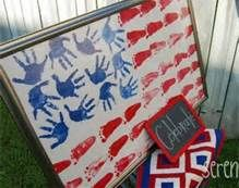 I love this hand/foot print flag for Memorial Day or Independence Day. Summer Crafts, Holiday Crafts, Kids Crafts, Holiday Fun, Arts And Crafts, Preschool Crafts, Family Crafts, Baby Crafts, Summer Art