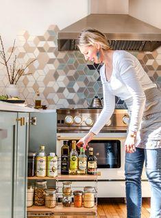 Vertical Spice and Storage Unit slides out in a modern kitchen Spice Rack Unit, Frameless Window, Upper Cabinets, Spice Cabinets, Kitchen Design, Kitchen Ideas, Kitchen Inspiration, Clean Sheets, U Shaped Kitchen