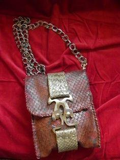 Zincir askili hakiki yilan derisi suslemeli el yapimi canta.handmade leather bags
