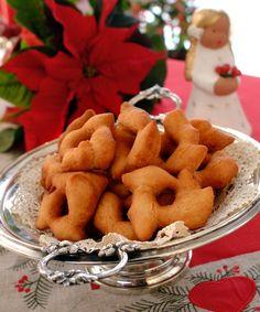 Hjortetakk: Hjortetakk ligner smultringer, men er fastere og sprøere og har i tillegg Norwegian Christmas, Churros, Doughnuts, Cheesecakes, Christmas Cookies, Holidays, Baking, Food, Xmas Cookies