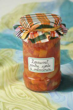 Zarzavat pentru ciorbe si mancaruri Ai nevoie de: 3 kg roșii 1 kg ardei gras 1 kg morcov 1 legătură pătrunjel 1 legătură frunze de țelină 1 lingură sare Salsa, Food And Drink, Cooking Recipes, Jar, Canning, Drinks, Drinking, Beverages, Chef Recipes