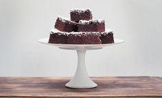 Rezept: Schokoladen-Walnuss-Würfel - Das Kochquartett Der Hammer. Und ganz offensichtlich auch noch super, wenn man die komplette Butter vergisst...