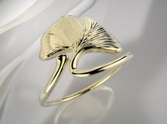 Ginkgo Leaf ring by Likesyrup