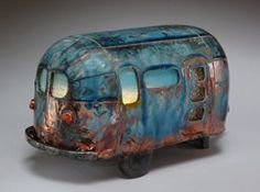 Ceramic trailer by Corrine Vegter of Baker City, Oregon