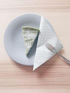 Vegan, glutenfrei, low-carb, paleo, oder plantbased – eines ist klar: Dieser Avocado-Limetten-Kuchen verbindet alle Food-Trends und ist auch noch lecker.