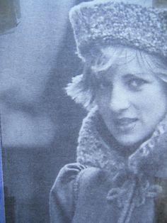 Décembre 13: Diana, Princess Of Wales, Arrive à Gloucestershire