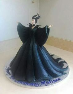 Maleficent cake -  For all your cake decorating supplies, please visit craftcompany.co.uk