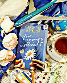 Buch mit Blumen auf dem Cover 🌸🌼🌸 Dieses Buch liebe ich! Ganz besonders als Hörbuch.