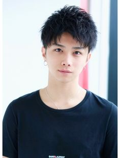 Japanese Hairstyle, Korea Fashion, Asian Boys, A Good Man, Medium Hair Styles, Hair Cuts, Hair Beauty, Poses, Mens Fashion