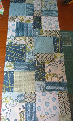 Patchy Work of Mini Grey: Disappearing 9 Patch Table Runner Tutorial.
