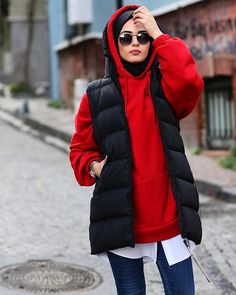 Image may contain: 1 person standing and outdoor Hijab Clothing Tesettür Kombinleri Muslim Fashion, Modest Fashion, Hijab Fashion, Fashion Outfits, Modest Dresses, Modest Outfits, Maxi Dresses, Latest Fashion For Women, Womens Fashion Online
