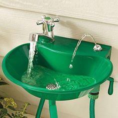 2-in-1 Outdoor Sink & Faucet