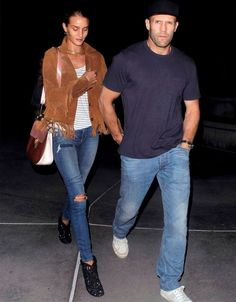 Look do casal Rosie Huntington-Whiteley e Jason Statham.