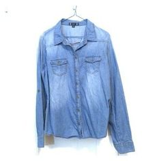 I just discovered this while shopping on Poshmark: Denim Button Down. Check it out! Price: $20 Size: XL