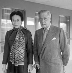 The Duke and Duchess of Windsor, Prince Edward and Wallis Simpson, pictured in 1971 (PA) Wallis Simpson, Duke And Duchess, Duchess Of Cambridge, Eduardo Viii, Edward Windsor, Royal King, Uk History, John Charles, Cecil Beaton