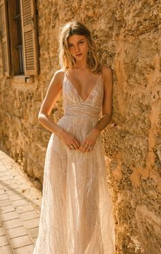2020 Wedding Dresses Spaghetti Straps V-Neck Lace Sequins Bridal Gowns Boho Country - 2020 Wedding Dresses Spaghetti Straps V-Neck Lace Sequins Bridal Gowns Boho Country 2020 Wedding Dresses Spaghetti Straps V-Neck Lace Sequins Bridal Gowns Boho Country - Dream Wedding Dresses, Bridal Dresses, Sunmer Dresses, Muse By Berta, Mein Style, Mode Chic, Elegant Dresses, Boho Dress, Marie