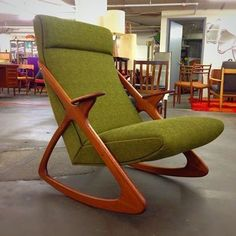 Help us win Best of SF! Vote Mid Century Mobler for best vintage furniture store in SF!