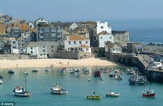 British seaside resort St Ives in Cornwall beats Spain to top European beach St Ives Cornwall, Devon And Cornwall, Seaside Resort, Seaside Towns, Seaside Uk, Seaside Holidays, British Seaside, British Isles, St Just