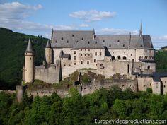 Castillo de Vianden en las Montañas de las Ardenas de Luxemburgo