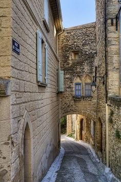 Archway, Châteauneuf du Pape by philhaber, via Flickr