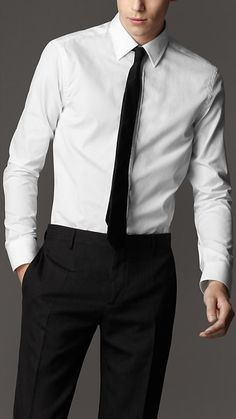 Shop from the current men's clothing collection. Sartorial suits, shirts and trousers feature as well as casual T-shirts, polos and jeans. Korean Outfits, Trendy Outfits, Shirt And Tie Combinations, Burberry Outfit, Casual T Shirts, Mens Fashion, Boy Fashion, Collar Shirts, Stylish Men
