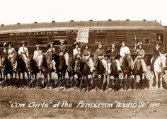 1911 PENDLETON OREGON OR ROUND-UP COWGIRLS RODEO QUEEN COWGIRL PHOTO