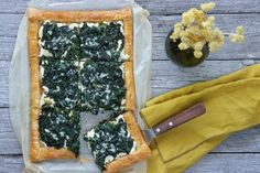 Cheese Pies, Spinach And Feta, Spanakopita, Greek Recipes, Palak Paneer, Finger Foods, Vegetable Pizza, Tart, Yummy Food