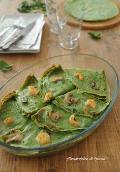 Le Crepes verdi con gamberi e funghi champignon sono un primo piatto molto particolare, raffinato e di grande effetto visivo. Perfetto se volete stupire...