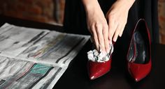 Cum lărgești încălțămintea care te strânge: 5 sfaturi practice ale unui cizmar! - Perfect Ask Chanel Ballet Flats, New Look, Christian Louboutin, Kitten Heels, Slippers, Womens Fashion, Shoes, Style, Life Hacks