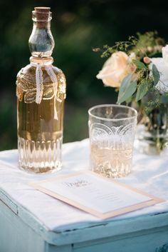 A KISS OF PEACH, drinks, stationary, flowers, decoration - Hellbunt Events Peach Drinks, Flowers Decoration, Bunt, Stationary, Kiss, Events, Table Decorations, Wedding, Home Decor