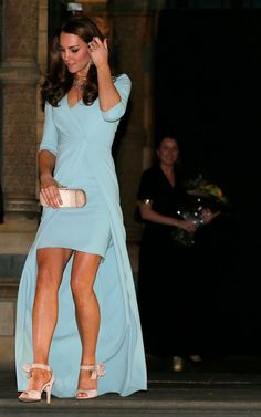 Kate Middleton's best evening dresses over the years - from Alexander McQueen to Jenny Packham - Mirror Online Looks Kate Middleton, Estilo Kate Middleton, Kate Middleton Photos, Pippa Middleton, Princesa Kate Middleton, Royal Fashion, Look Fashion, High Fashion, Fashion Outfits