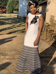 African Clothes, African Fashion Dresses, Xhosa Attire, Queen Dress, African Design, Queens, Dan, Gowns, Elegant