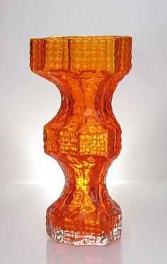 """NANNY STILL - Glass vase """"Fenomena"""" 1419 designed 1967 for Riihimäen Lasi Oy, in production Finland. Glass Design, Design Art, Scandi Style, Nordic Design, Retro Art, Pottery Art, Finland, Modern Contemporary, Glass Art"""