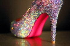 sparkly shoes - Ashley I want these for the wedding...