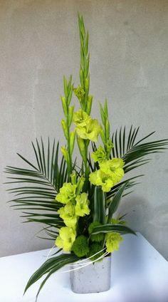Beautiful Gladiolus Flower Arrangements For Home Decorations 39