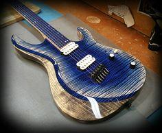 Kiesel Guitars Carvin Guitars  AM6 (Aries Multiscale) in an arctic finish