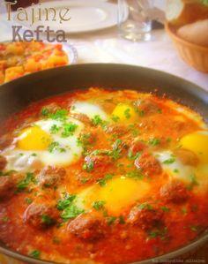 Kefta tajine with eggs Recetas Ramadan, Ramadan Recipes, Morrocan Food, Tunisian Food, Minced Meat Recipe, Good Food, Yummy Food, Cooking Recipes, Healthy Recipes