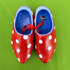 Want! Clogs by Galerie Tinks.