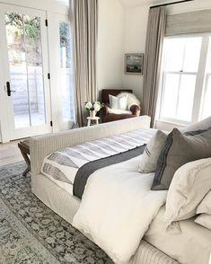 Handsome bedroom by Dream Bedroom, Home Bedroom, Master Bedroom, Bedroom Decor, Modern Farmhouse Bedroom, Neutral Bedrooms, Hotels, Amber Interiors, Loft