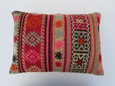 Can't get enough of these kilim pillows! #pillows #HomeDecor #globaltextile #globalstyle