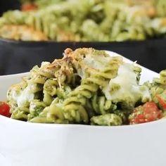 This pesto is the besto 🍝 Link in bio for full recipe 🙏