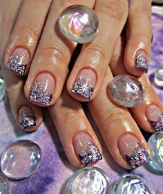 time to start thinking about what nail art i'm going to get at nail quick...http://www.nailquick.co.jp/salon/shibuya.html