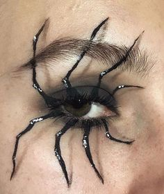 Looking for for inspiration for your Halloween make-up? Navigate here for creepy Halloween makeup looks. Halloween Eye Makeup, Halloween Eyes, Halloween Make Up Scary, Spider Halloween Costume, Scary Costumes, Halloween Vampire, Fall Halloween, Sfx Makeup, Costume Makeup