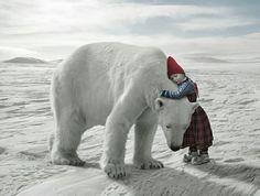 Isbjørn å pike (Polar bear and girl)