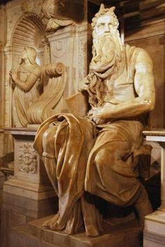 Moisés    De Miguel Ángel, es una escultura renacentista del siglo XVI, Cinquecento en Italia. Es la figura central de la tumba del Papa Julio II, en la iglesia de San Pedro in Víncoli, en Roma