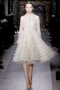 Valentino Spring 2013 Couture - Runway Photos - Fashion Week - Runway, Fashion Shows and Collections - Vogue Haute Couture Paris, Valentino Couture, Style Haute Couture, Couture Mode, Spring Couture, Couture Fashion, Runway Fashion, Valentino Paris, Juicy Couture