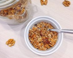 Cukormentes, olajmentes granola házilag | 21 nap alatt Granola, Kefir, Nap, Cereal, Oatmeal, Healthy Recipes, Healthy Food, Baking, Breakfast Ideas