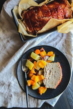 The best turkey meatloaf and roasted vegetables - made with organic ingredients from @sweetphi, organic recipes, organic turkey meatloaf recipe
