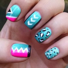 Wow! @svetlana_87's work is always so detailed! Loving each nail!! * Staggered Chevron #NailVinyls  www.snailvinyls.com